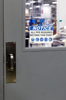 Etiquetas y señales de seguridad