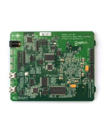 Placa con motor criptográfico