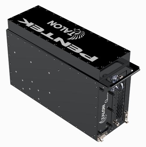 Pensado para aplicaciones de seguridad, militares e inteligencia, este grabador de radiofrecuencia es rugerizado y transportable, aunque ofrece un rendimiento similar a sus equivalentes para montaje en rack.